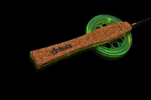 Удочка легкой серии для широкого спектра возможных оснащений. Может использоваться для блеснения, безмотыльной ловли, ловли с поплавком.