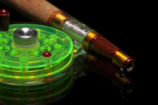 Удочка для ловли форели, окуня и другой хищной рыбы с нежными губами.