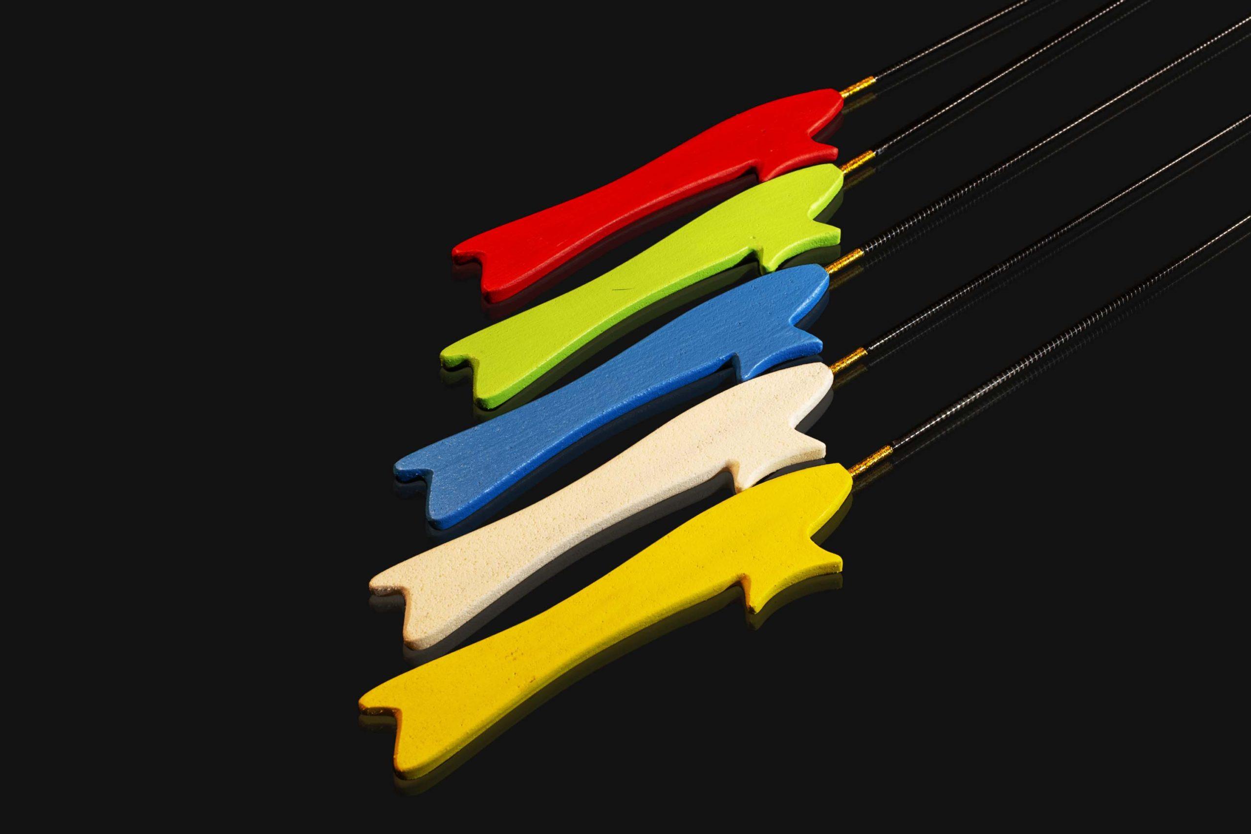 Зимняя удочка ручной работы Артуда Фокстрот Лайт отлично подойдет любителям вариантов ловли с «плоским» хватом.